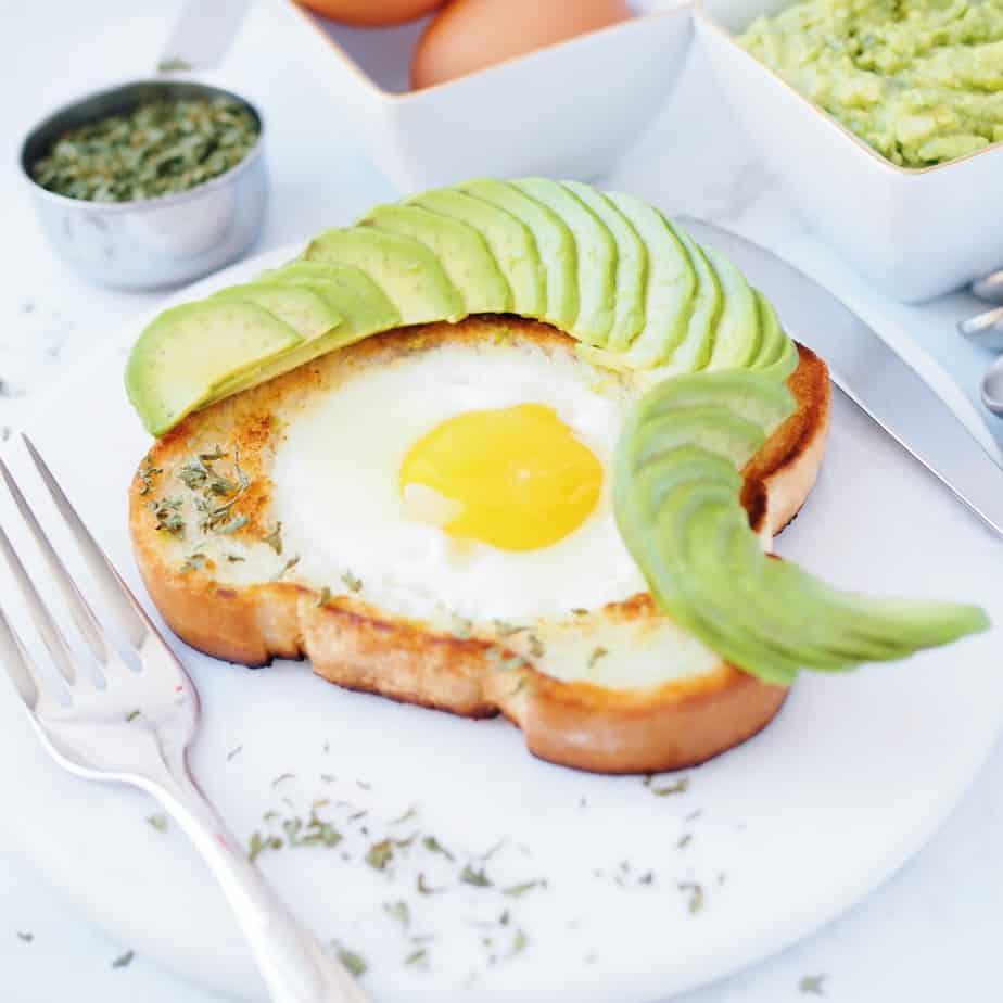 Egg in a Hole Garlic Bread