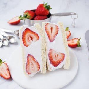 Strawberry Coconut Cream Sandwich