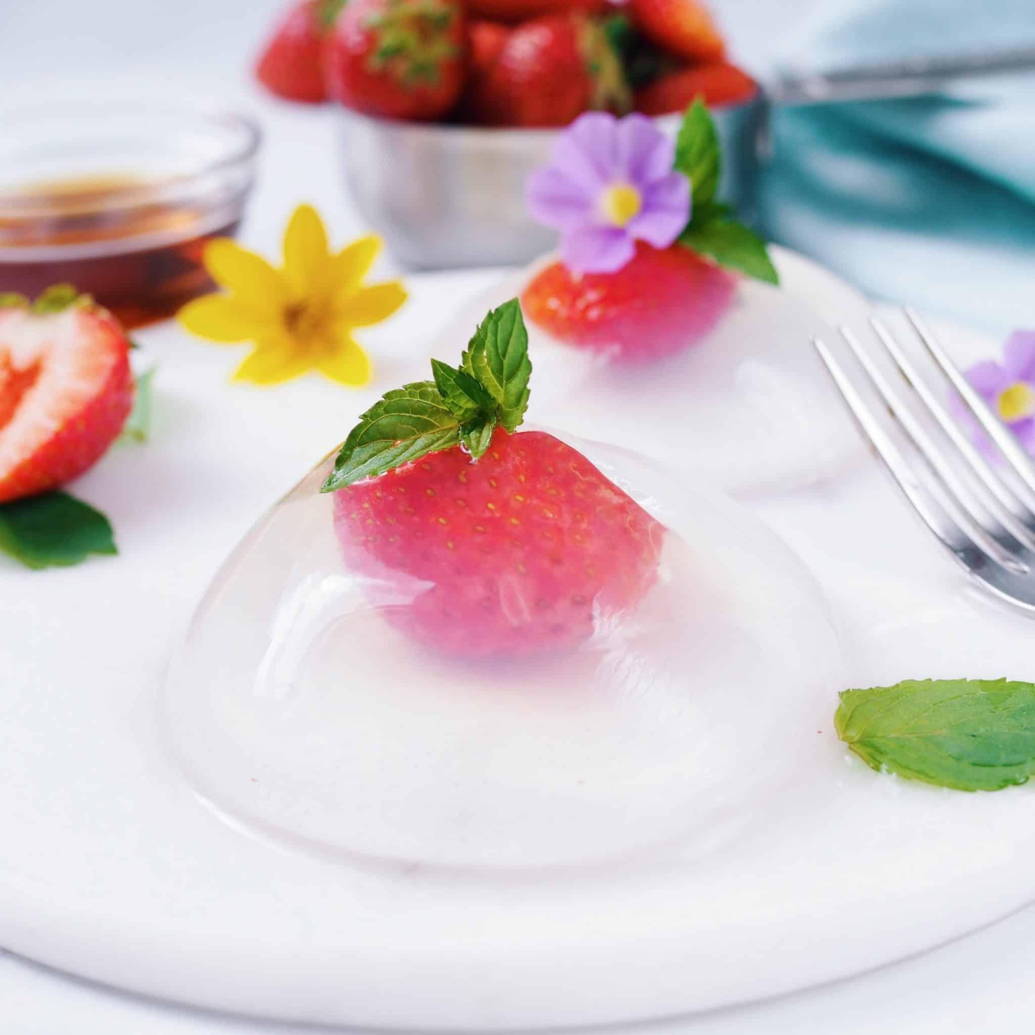 japanese strawberry raindrop cake