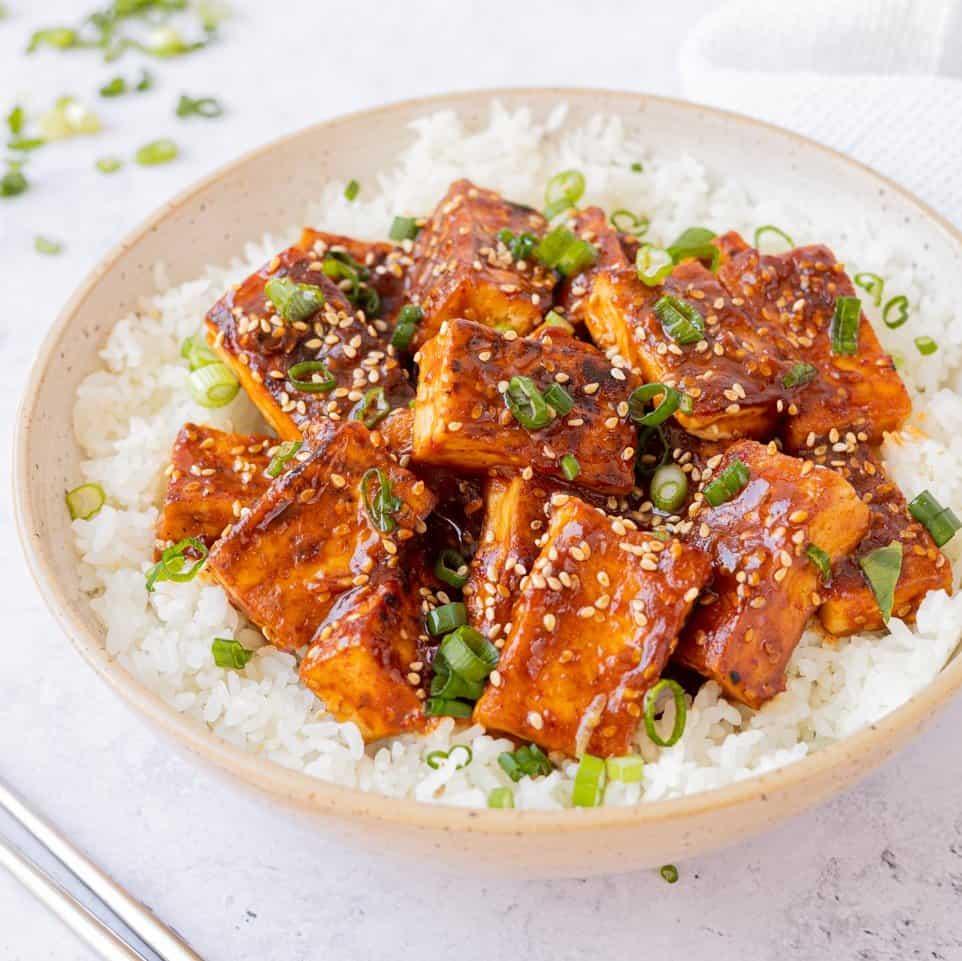 spicy gochujang sesame tofu